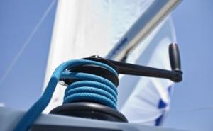 Ausrüstung und Segelbekleidung