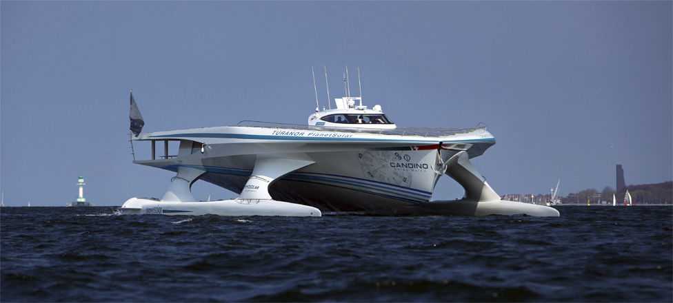 Luxus katamaran  Motor-Katamarane Luxus-Superyacht / Fahrten / mit Ruderhaus ...