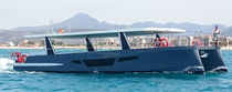 Katamaran-Ausflugsboot