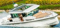 Außenbord-Konsolenboot / zweimotorig / Mittelkonsole / Hard-top