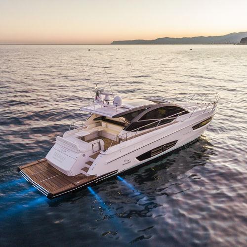 Sport-Motoryacht - RIO YACHTS