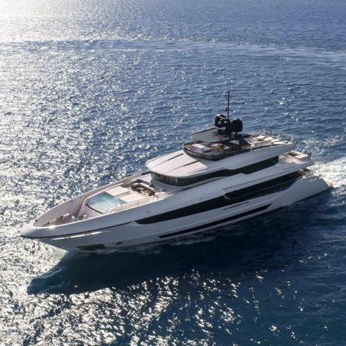 Fahrten-Superyacht - Overmarine
