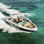 Express Cruiser / Außenbord / dreimotorig / Open / Bowrider