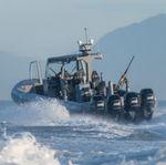 Militärboot / Außenbord / Aluminium / Festrumpf-Schlauchboot