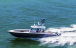 Außenbord-Konsolenboot / viermotorig / Mittelkonsole / Flybridge