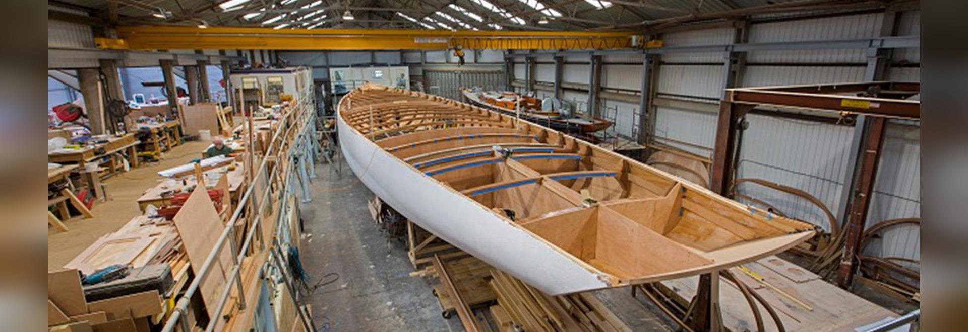 Bauaktualisierung auf Flaggschiffsegeljacht des Geistes 111