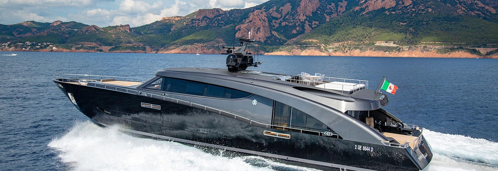 An Bord Roberto Cavallis 28m Yacht Freiheit