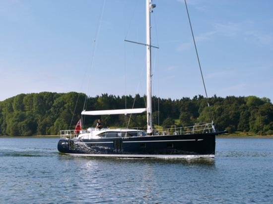 675 fahrend, Höflichkeit von Austern-Yachten