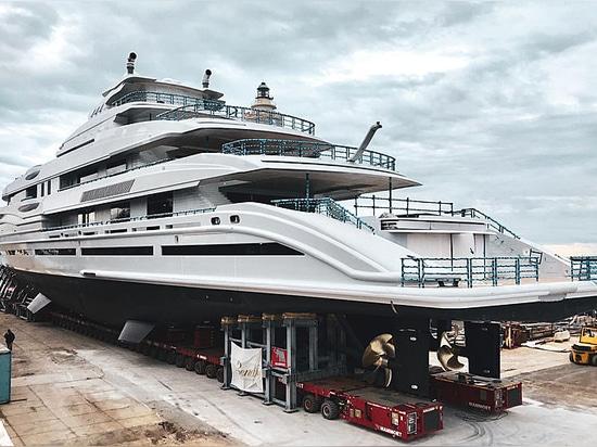 Gestartet: Näherer Blick an neuem 107m Benetti superyacht FB 277