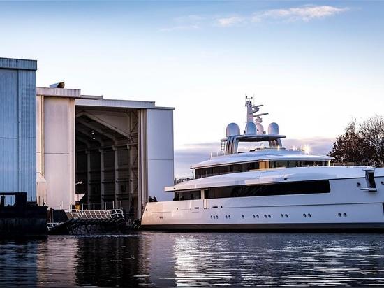 58m Vitruvius-entworfene Feadship-Yacht Najiba startete