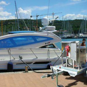 Kohlenwasserstoffbehälter / für Flüssigkeiten / für Boote / mit Transferpumpe