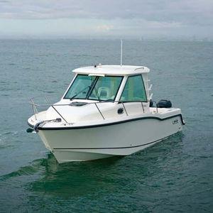 Cabin-Cruiser / Außenbord / zweimotorig / mit geschlossenem Cockpit / Sportfischer