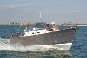 Cabin-Cruiser / Innenborder / zweimotorig / Open / Sportfischer
