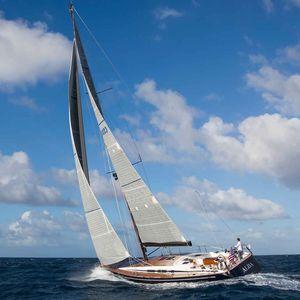 Segel-Yacht / Hochseefahrten / mit offenem Heck / 3 Kabinen / Doppel-Ruder