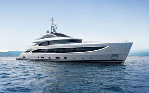 Fahrten-Megayacht / Raised Pilothouse