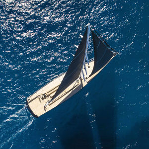 Segel-Superyacht / Fahrten