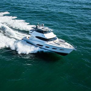 Fahrten-Motoryacht / Sport / Offshore / geschlossene Flybridge