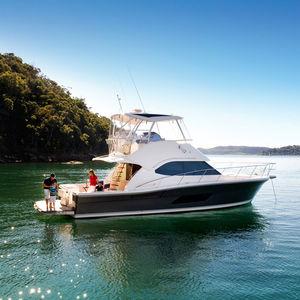 Sportfischer-Motoryacht / Fahrten / Offshore / Open