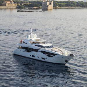 Sport-Superyacht