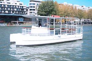 elektrisches Ausflugsboot