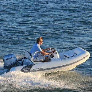 Außenbord-Schlauchboot / Festrumpf / Seitenkonsole / max. 5 Personen