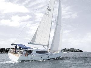 Segel-Yacht / Fahrten / Decksalon / 3 oder 4 Kabinen / Bugspriet