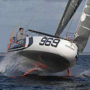 Einrümpfer / Regatta / Regatta Kielboot / mit offenem Heck