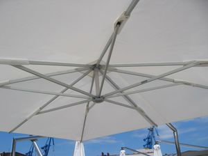 Sonnenschirm für Motoryachten