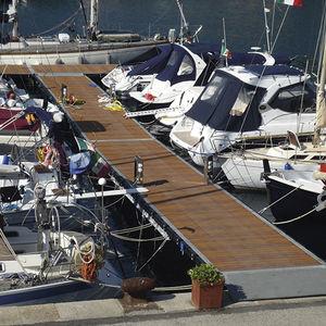 schwimmender Ponton / Anker / für Yachthäfen / für Häfen