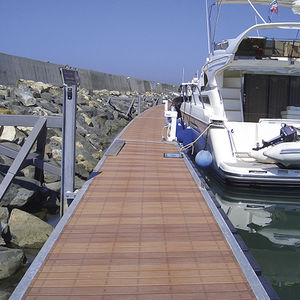 schwimmender Ponton / Anker / für Yachthäfen / für Boote
