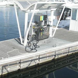 Schwimmende Tankstelle / für Yachthäfen