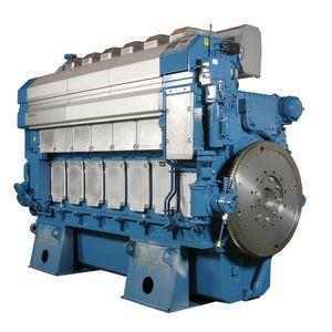 Schiffsmotor mittelschneller