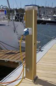 Säule mit integrierter Beleuchtung / Stromversorgung / für Wasserversorgung / für Stege