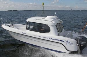 Außenbord-Daycruiser