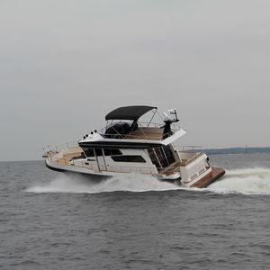 Fahrten-Motoryacht