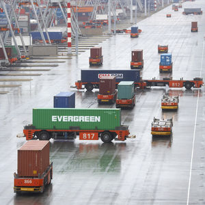 Fahrerloses Transportfahrzeug / FTF / für Container