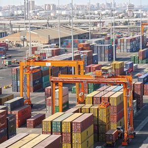 radmobiler Container-Stapelkran