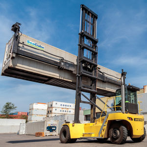 Containerstapler für Leercontainer / Side-Lift Spreader