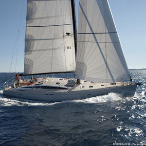 Segel-Yacht / Fahrten / mit offenem Heck / semi-custom