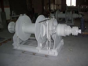 hydraulische Ankerwinde / für Schiffe / horizontal / Einzeltrommel