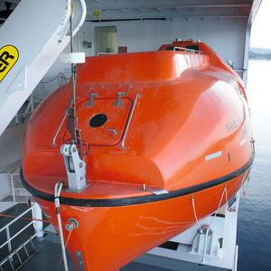 geschlossenes Rettungsboot