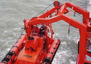 Davit für Schiffe / für Arbeitsboote / hydraulisch