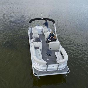 Außenborder-Pontonboot