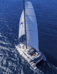 Segel-Yacht / Katamaran / Hochseefahrten / Flybridge / 4 oder 5 Kabinen