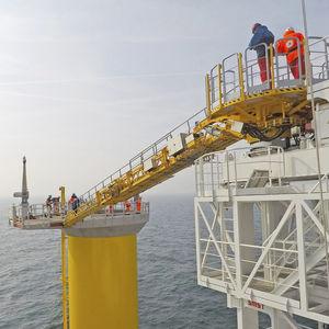 Gangway für Offshore Service Schiff / Teleskop / mit Bewegungskompensation / hydraulisch