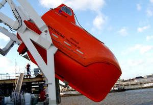 Freifallrettungsboot / für Schiffe