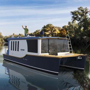 Cabin-Cruiser / Kanal