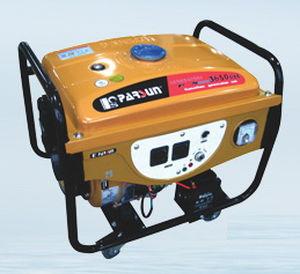 Stromaggregat für Boot / Benzin / tragbar