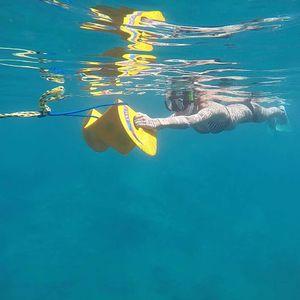 Unterwasserflügel mit Schleppsystem