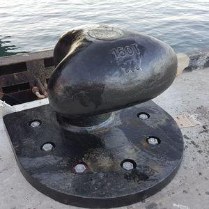 Anlegepoller für Hafenterminals